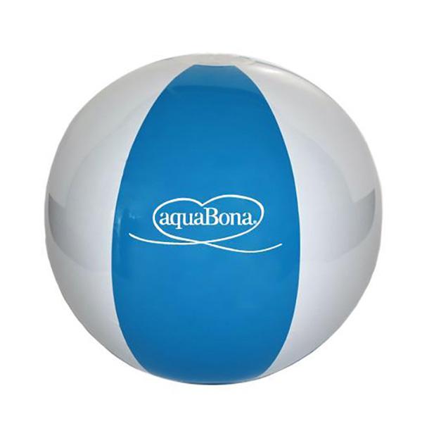 Pelota de playa hinchable de 40 cm de diámetro (desinflada) con 6 paneles fabricada en TPU de 0,18 mm de grosor. Con válvula de seguridad, eco-friendly material, 6P, libre de ftalatos. Incluye un logo impreso 1/1 en el balón + textos legales (una posición).