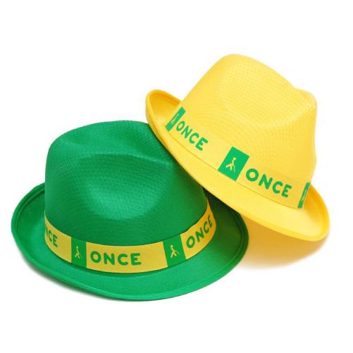 Sombrero fabricado en polyester, talla adulto, en color verde, personalizados con banda de poliéster de 3 cmts. de grosor e impresa a un color. Presentados en bolsas de 50 uds.
